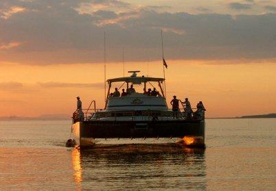 Catamaran to Tortuga Island