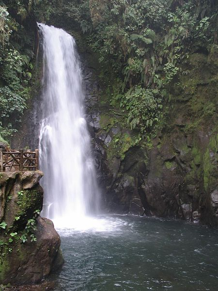 la paz waterfall in costa rica